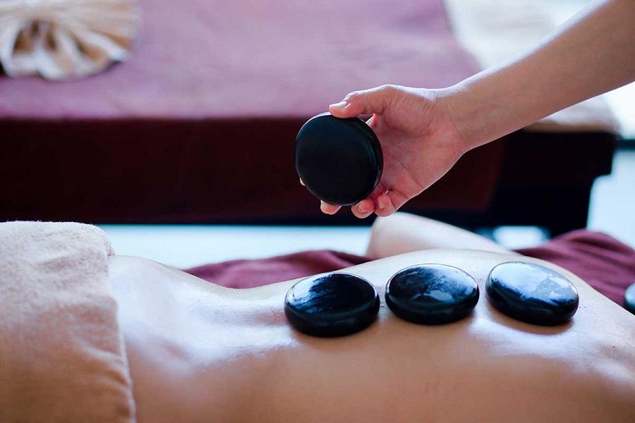 Massage Đá nóng
