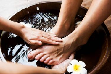 closeup-of-a-foot-spa-PY4Q2T8.jpg